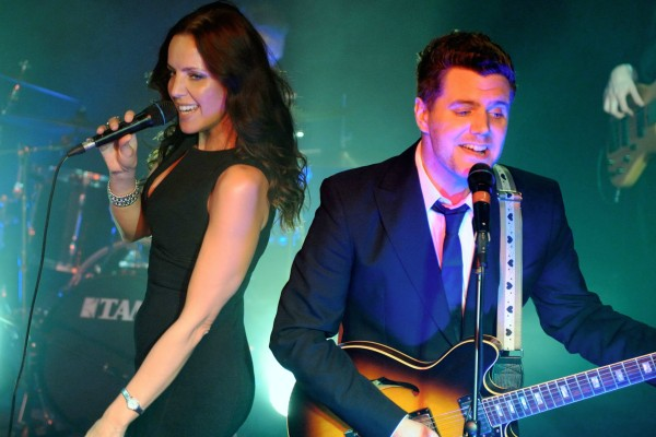 Covers band The Vodka Martinis perform to a packed room they also make a great Wedding booking
