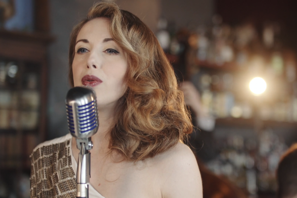 Becki jazz and blues singer available to hire